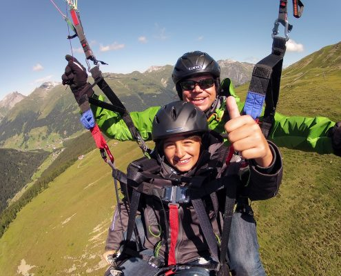 Gleitschirmflug mit Kindern in Davos