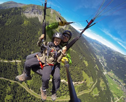 Paragliding with children in Klosters