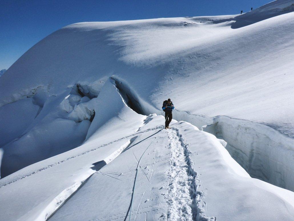 Piz Palü Aufstieg entlang der Gletscherspalten