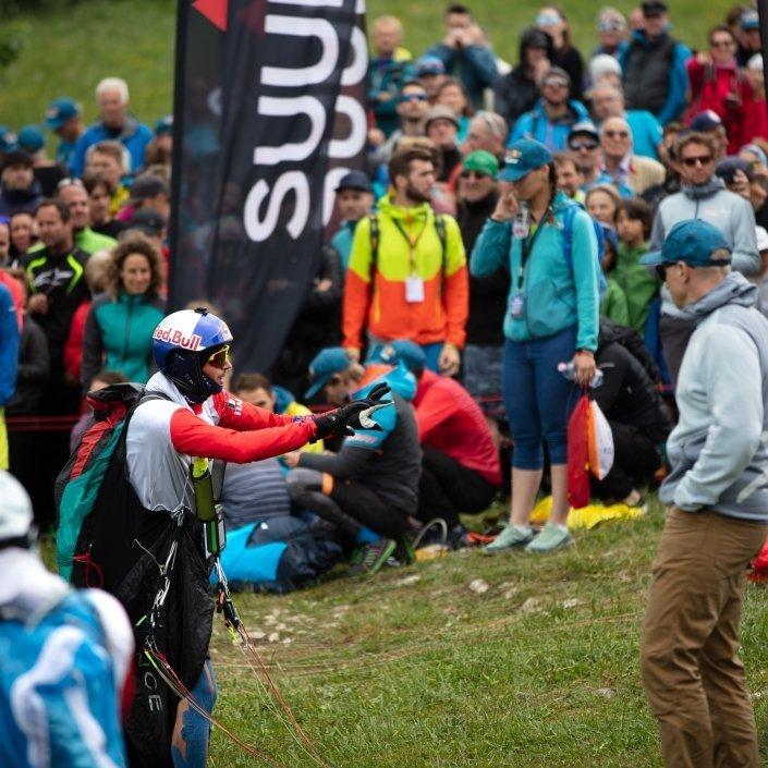 Red Bull X-Alps 2019 Aaron Durogati Gleitschirm-Beschwörung auf dem Salzburger Gaisberg