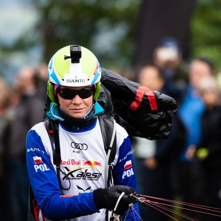 Red Bull X-Alps 2019 Dominika Asieczko Startklar auf dem Salzburger Gaisberg mit ihrem Ozone Zeolite