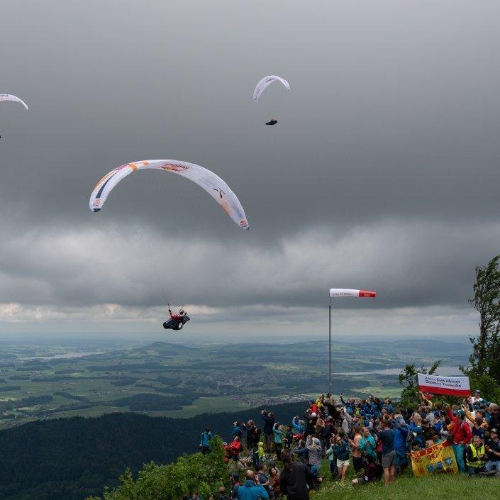 Red Bull X-Alps 2019 Schöner Aufwind am Turnpoint 1 - Salzburg Gaisberg