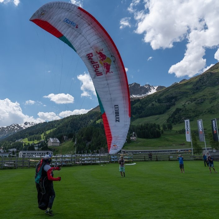 Red Bull X-Alps 2019 Turnpoint Davos: Pilotenankunft erster Tag
