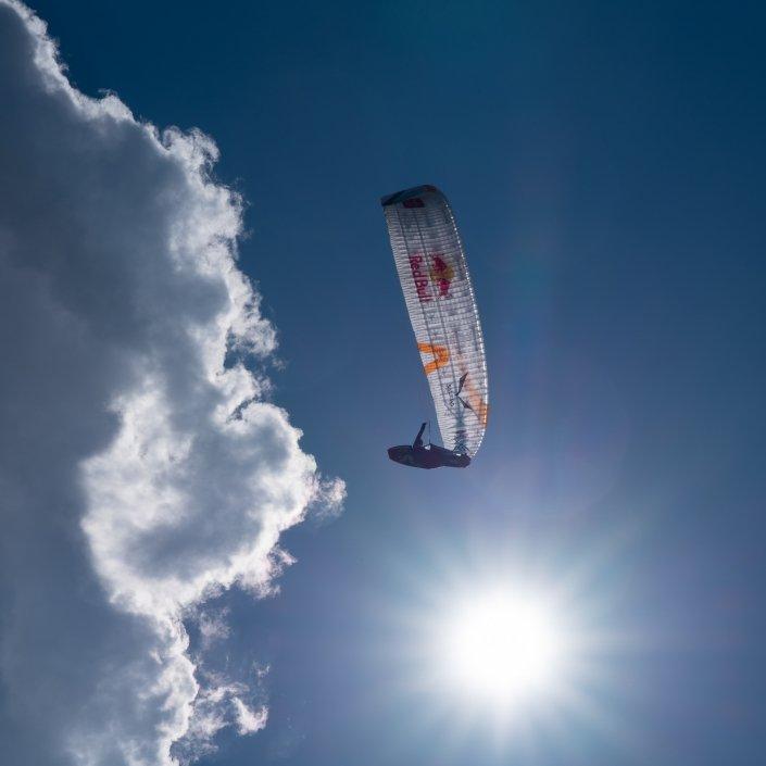 Red Bull X-Alps2019 Paul Guschlbauer mit seinem Skywalk X-Alps4 im Anflug auf den Turnpoint Davos